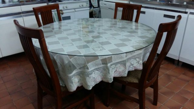 SELLING DINING TABLE 4 CHAIRS AND DINING BUFFET REGGAE  : img 20170101 wa0001 e57745b3 large from www.q8india.com size 640 x 360 jpeg 35kB