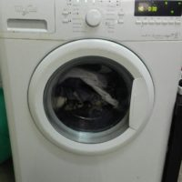 2 year Old 7 KG capacity automatic whirlpool washing machine available for sale.
